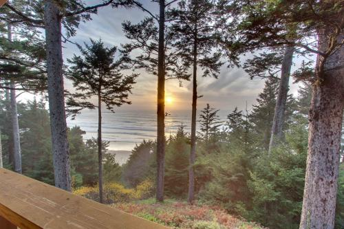 The Cedar House at Otter Rock - Otter Rock Vacation Rental