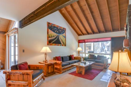 Meadow House 11 | Discover Sunriver -  Vacation Rental - Photo 1