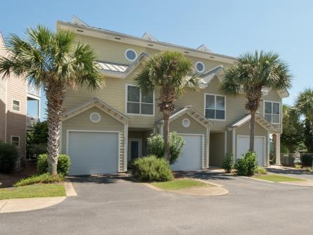 Magnificent Beach Point Townhome -  Vacation Rental - Photo 1