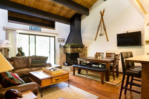 Streamside Townhome -  Vacation Rental - Photo 1