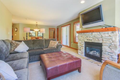 Powderhorn Lodge 210: Blazing Star Suite -  Vacation Rental - Photo 1