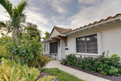 Pompano Beach - Beachside Home with Private Pool - Pompano Beach, FL Vacation Rental