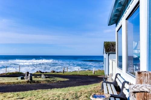 Seascape Cottage - Yachats Vacation Rental