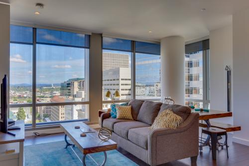 Park Avenue West 1209:  Salmon Sojourn -  Vacation Rental - Photo 1
