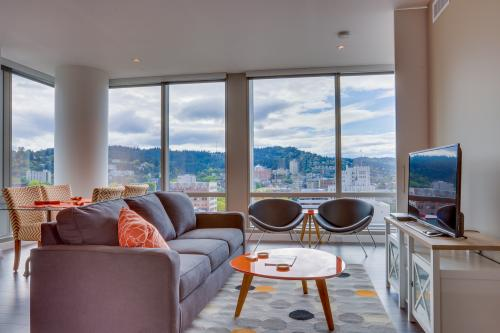 Park Avenue West 1212: Metallic Pearl - Portland, OR Vacation Rental