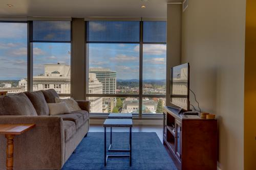 Park Avenue West 1205: Stumptown Skyline - Portland, OR Vacation Rental