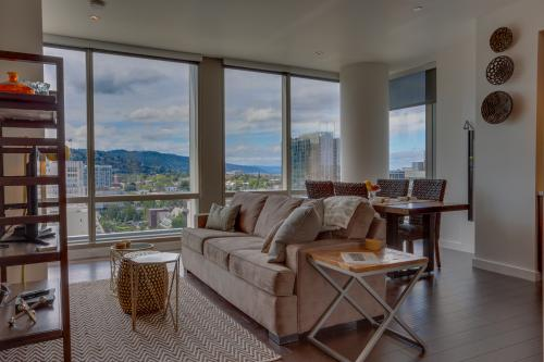 Park Avenue West 1202: Mt. Sunrise -  Vacation Rental - Photo 1