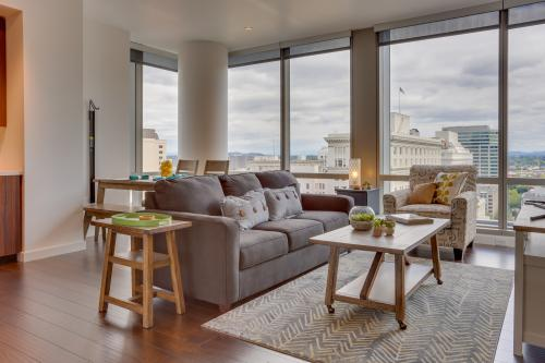 Park Avenue West 1105: Portlandia Panorama -  Vacation Rental - Photo 1