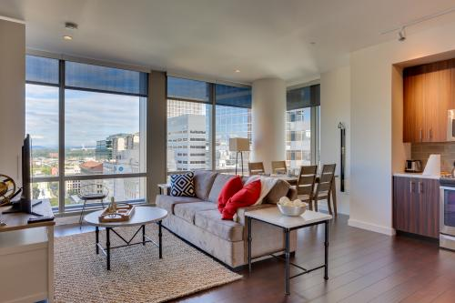 Park Avenue West 1109: Bridge City Deluxe -  Vacation Rental - Photo 1