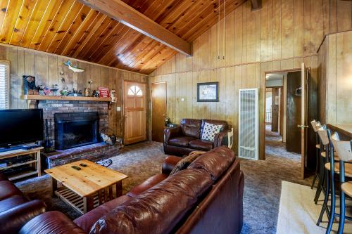 Pinewood Retreat - Big Bear City, CA Vacation Rental