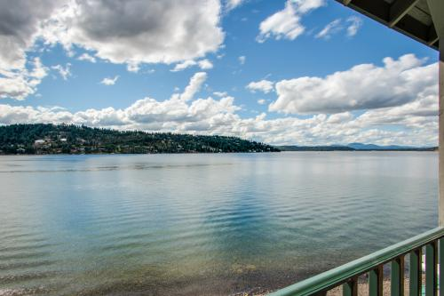 Lakeside Coeur d'Alene Retreat - Harrison, ID Vacation Rental