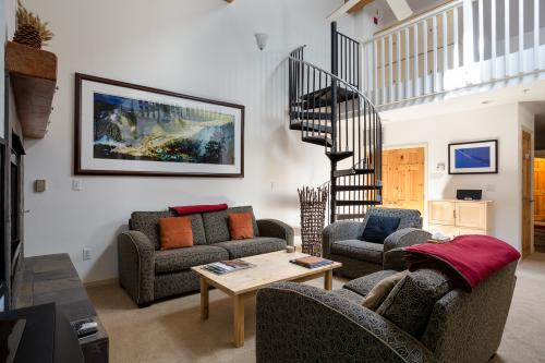 Squaw Valley Ski Flat -  Vacation Rental - Photo 1