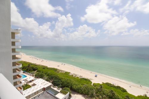 Castle Beach: Sea Grass Condo - Miami Beach, FL Vacation Rental