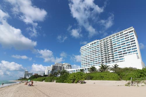 Castle Beach: Key Lime Condo - Miami Beach, FL Vacation Rental