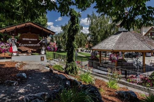 Bavarian Bungalow Getaway (B) -  Vacation Rental - Photo 1