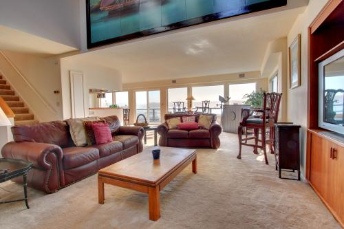 Harbor Overlook Home - Newport, OR Vacation Rental