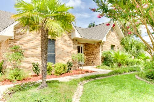 Hidden Golf Retreat - Navarre, FL Vacation Rental