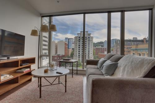 Park Avenue West 609: Director Park Getaway -  Vacation Rental - Photo 1
