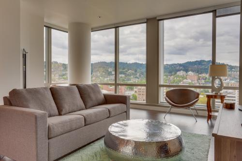 Park Avenue West 1512: Rip City Relaxation - Portland, OR Vacation Rental