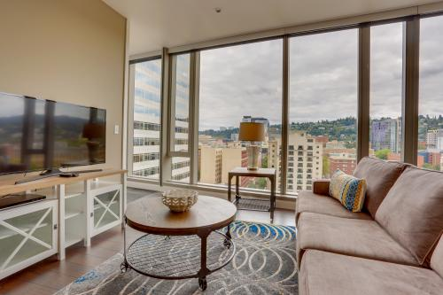 Park Avenue West 1110: PDX City Lights - Portland, OR Vacation Rental