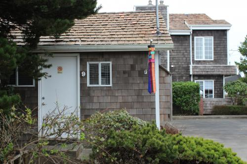 Beaches - Captains Cove Cottage 9 - Cannon Beach Vacation Rental