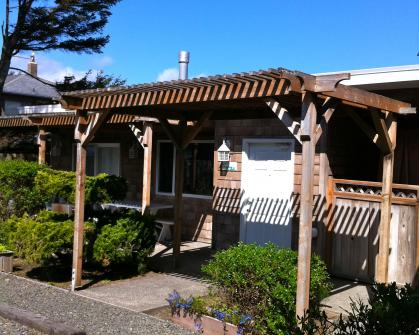 Ocean Spray -  Sandals Spa Suite & Oceanside Cabana - Cannon Beach Vacation Rental
