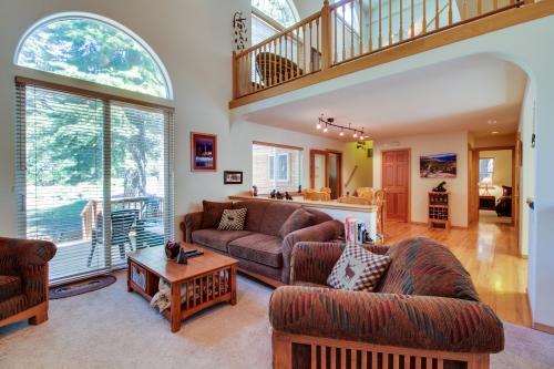 Tahoe Donner Winter Avenue Retreat -  Vacation Rental - Photo 1
