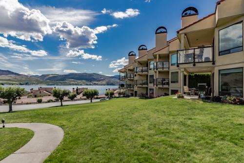 Lake Chelan Shores: Boater's Paradise (#10-2)  -  Vacation Rental - Photo 1