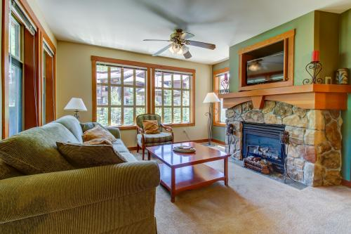 Eagle Springs West 306: Wild Begonia Suite -  Vacation Rental - Photo 1