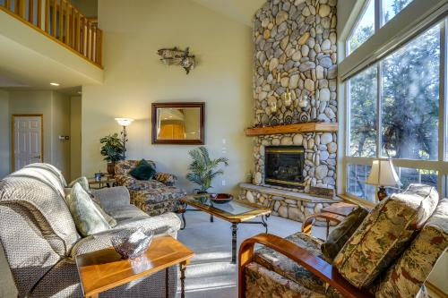Eagle Crest Golf Course Seclusion  -  Vacation Rental - Photo 1