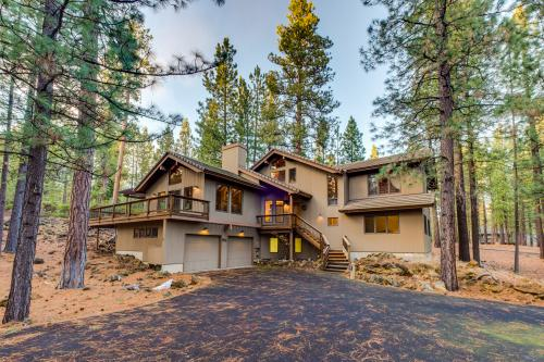 Black Butte Ranch: Glaze Meadow Home -  Vacation Rental - Photo 1