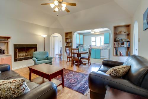 Wayback Cottage - Dripping Springs, TX Vacation Rental