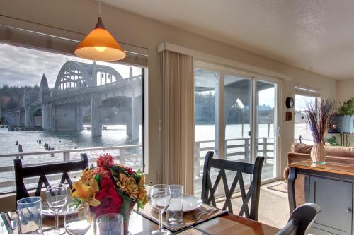 The RiverFront - Florence Vacation Rental