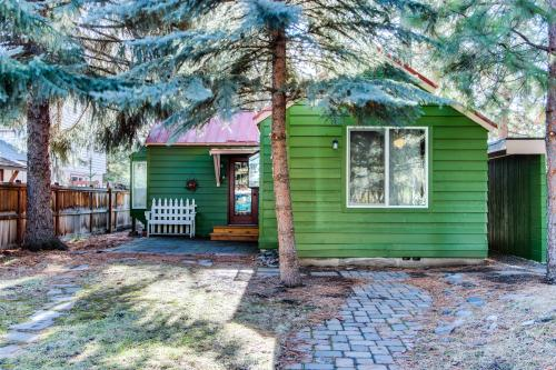 Sisters Downtown 1930's Cottage - Sisters Vacation Rental