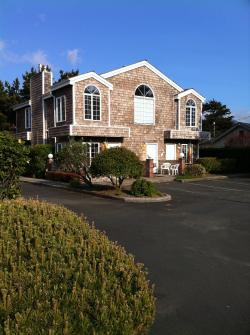 Beaches: Herons Nest Loft - Cannon Beach, OR Vacation Rental