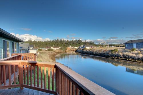 Pelican's Pad - Waldport, OR Vacation Rental