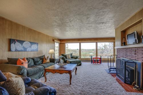 Mid Century Deschutes River Cabin  - Redmond, OR Vacation Rental