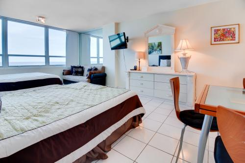 Castle Beach: Emerald Water Condo - Miami Beach, FL Vacation Rental