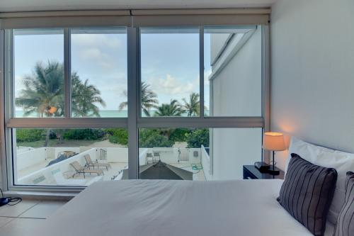 Castle Beach: Sunfish Condo - Miami Beach, FL Vacation Rental