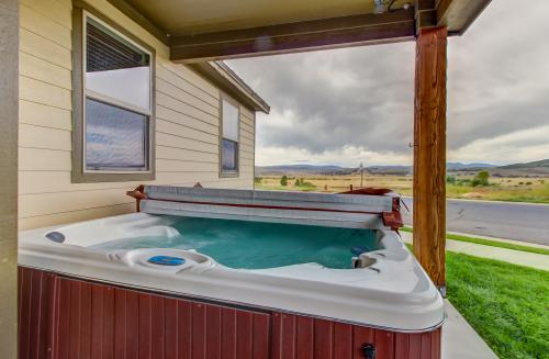 Bear Hollow Home with Private Hot Tub -  Vacation Rental - Photo 1