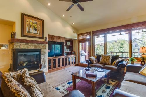 Trappeurs Crossing: Emerald Lodge -  Vacation Rental - Photo 1
