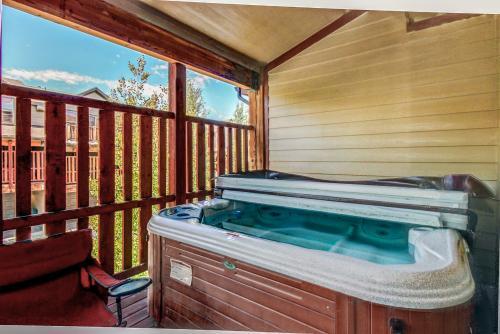 Top 42 brighton vacation rentals from 50 vacasa for Brighton utah cabin rentals
