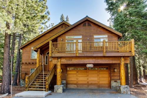 Winter Avenue Manor - Truckee Vacation Rental