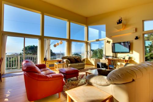 Glass Beach House -  Vacation Rental - Photo 1