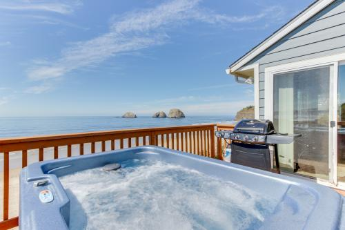 Blue Sea Oceanfront Cottage -  Vacation Rental - Photo 1