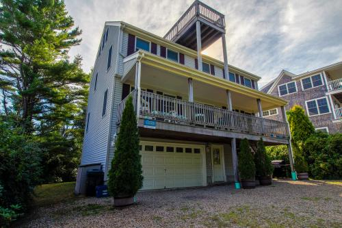 Nubble  Light Beach House - York, ME Vacation Rental