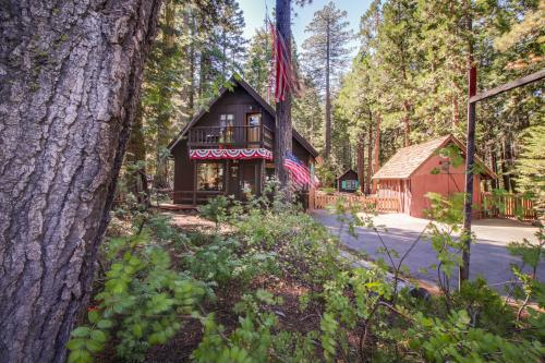 Home Sweet Homewood & Cottage - Homewood, CA Vacation Rental
