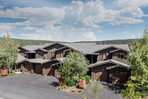 Boulders Family Townhome - Truckee, CA Vacation Rental