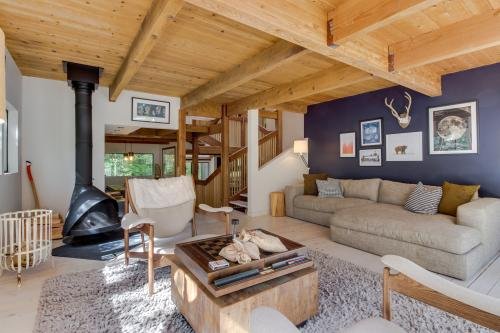 Sandy River Treehouse -  Vacation Rental - Photo 1