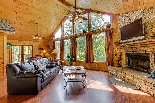 Enchantment Cabin - Sautee Nacoochee, GA Vacation Rental